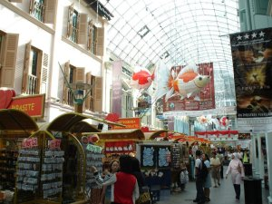 Budget shopping destinations of Singapore, and things nobody told you about them
